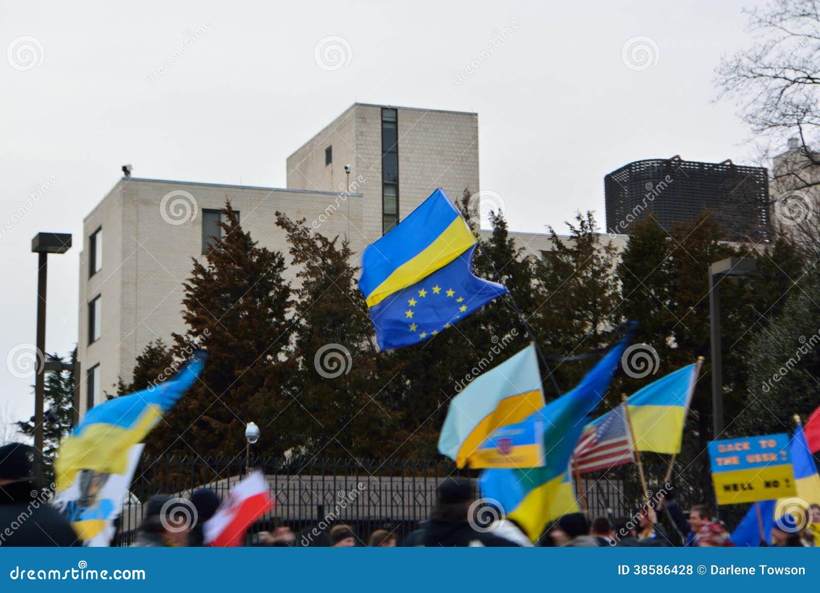 Popiera USSR; Ukraina protest przy Rosyjską ambasadą 3/4/14