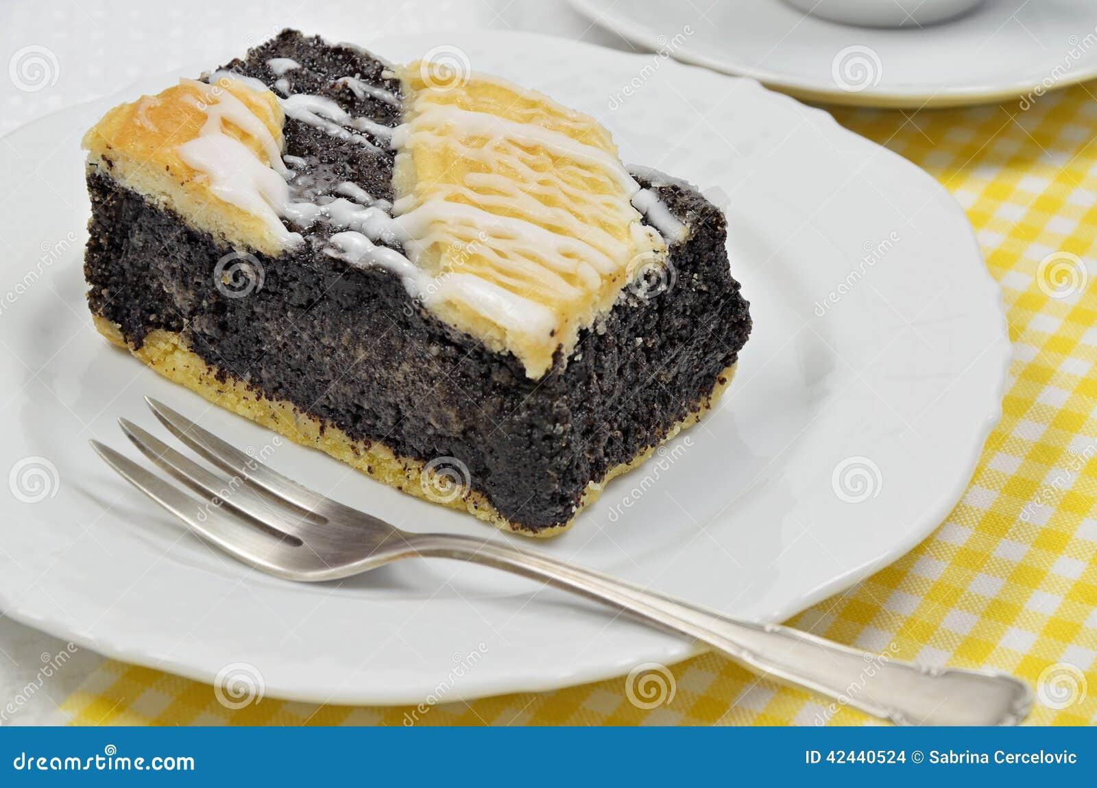Poppy Cake en la placa blanca