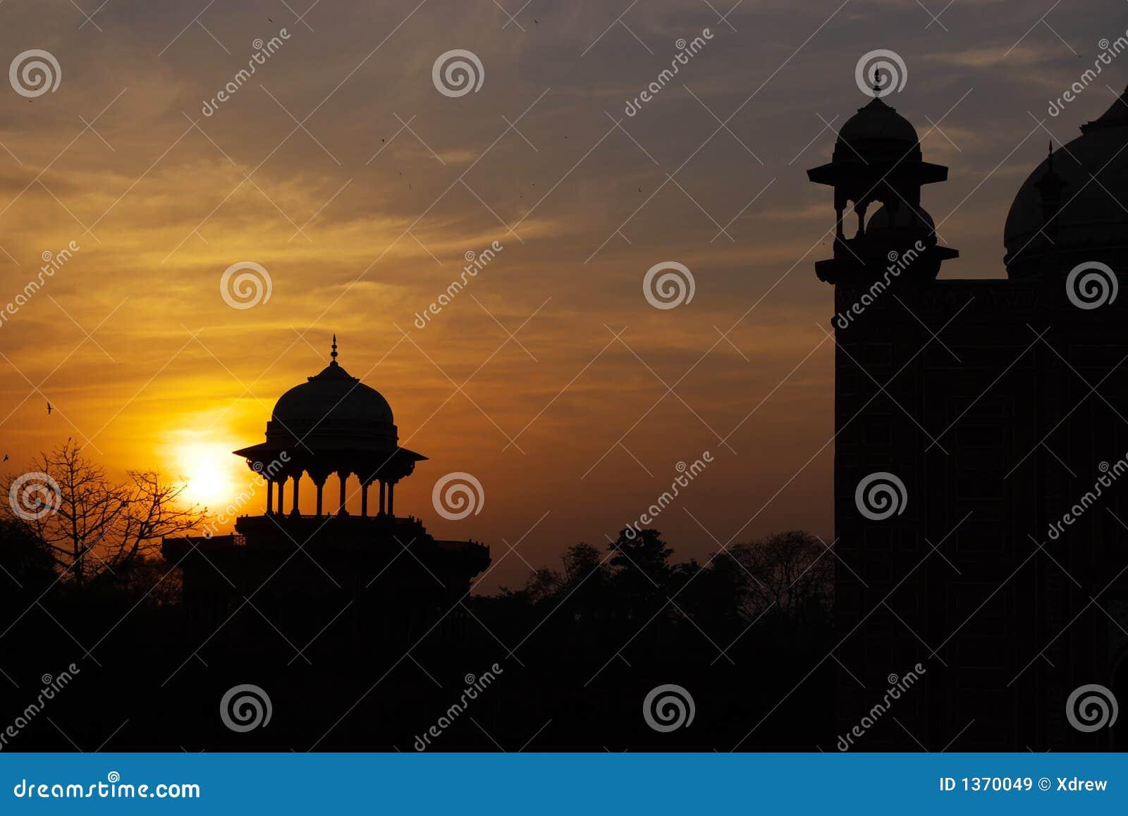 Por do sol arquitectónico