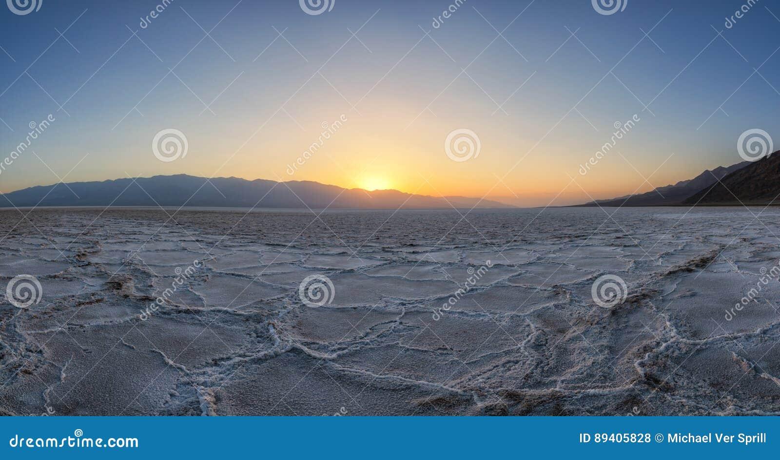 Por do sol da bacia de Badwater