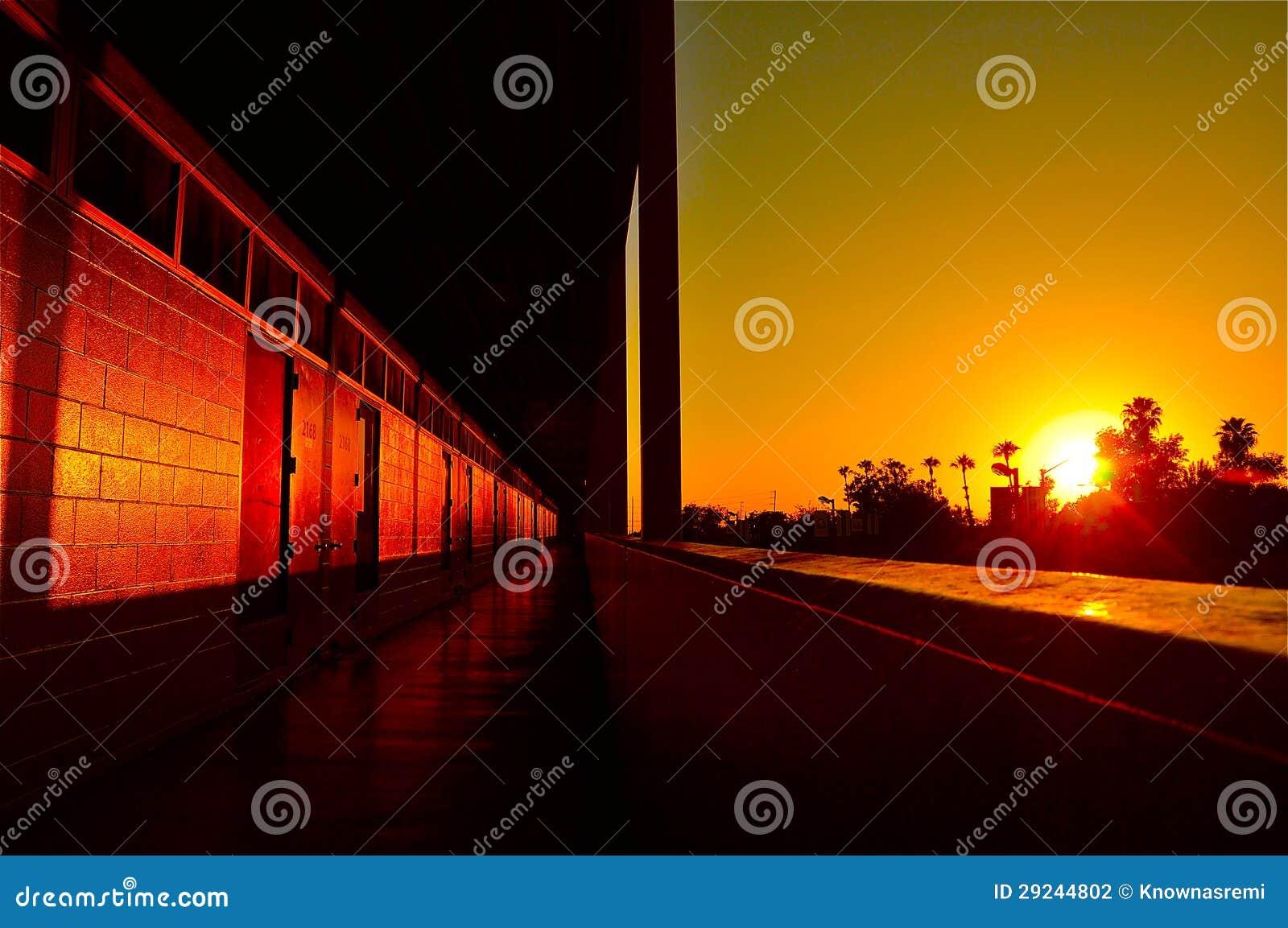 Download Por do sol da escola foto de stock. Imagem de sunset - 29244802