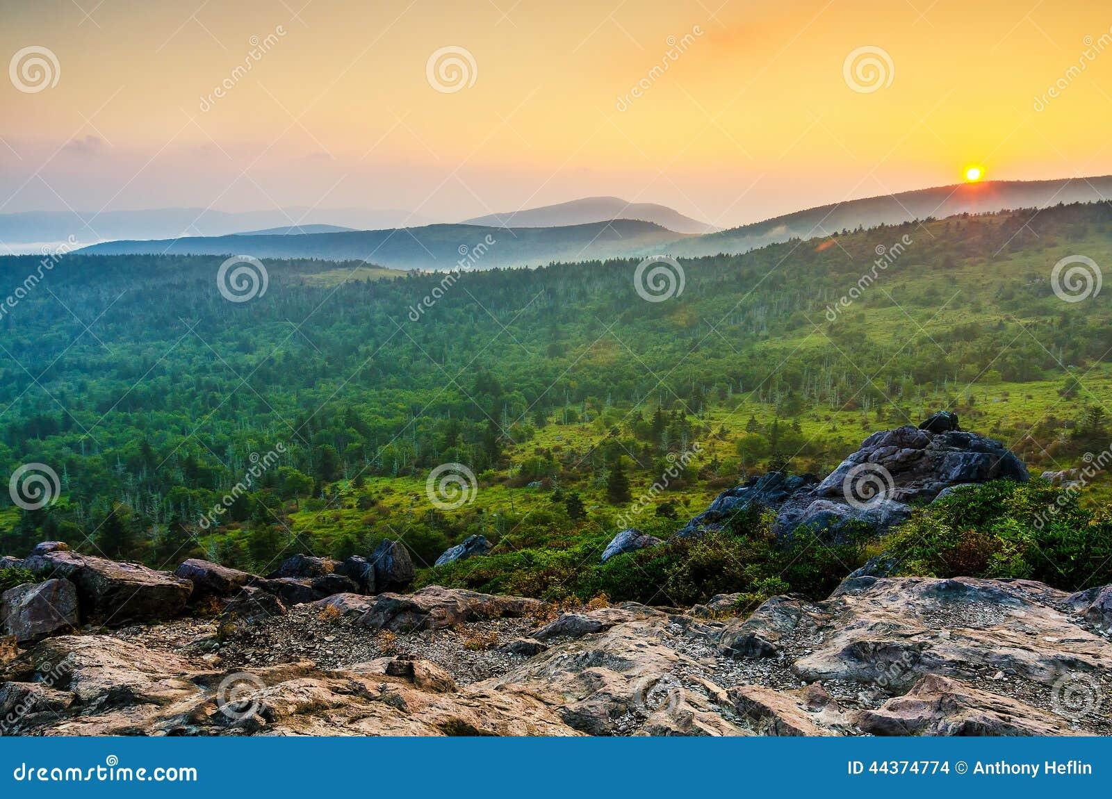 Por do sol de Wilburn Ridge, Grayson Highlands, Virgínia
