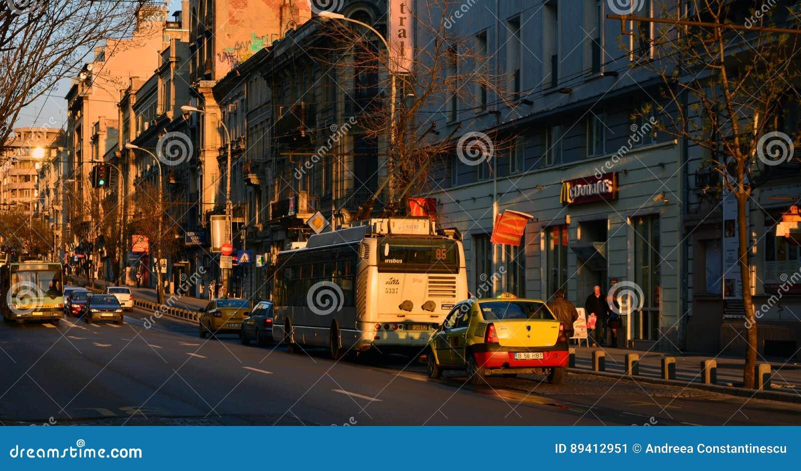 Por do sol em Bucareste