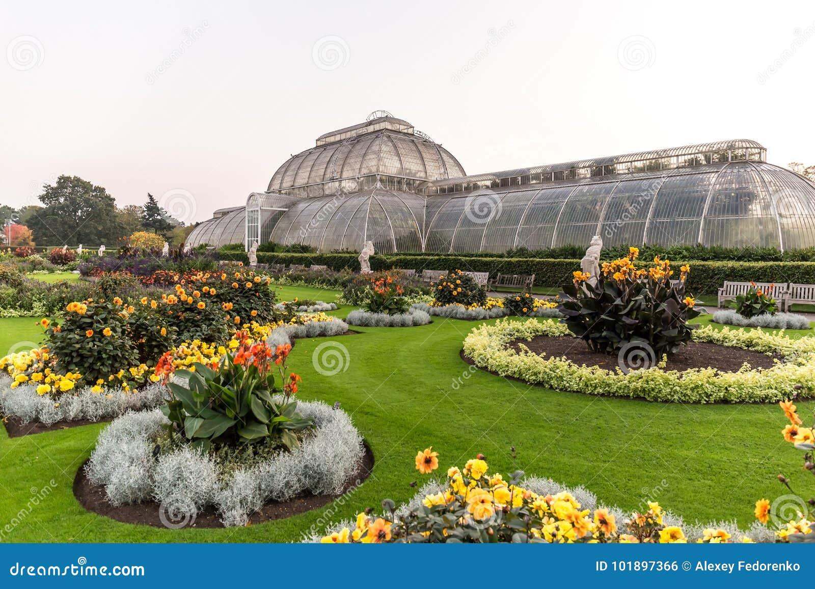 Por do sol em jardins de Kew, Londres