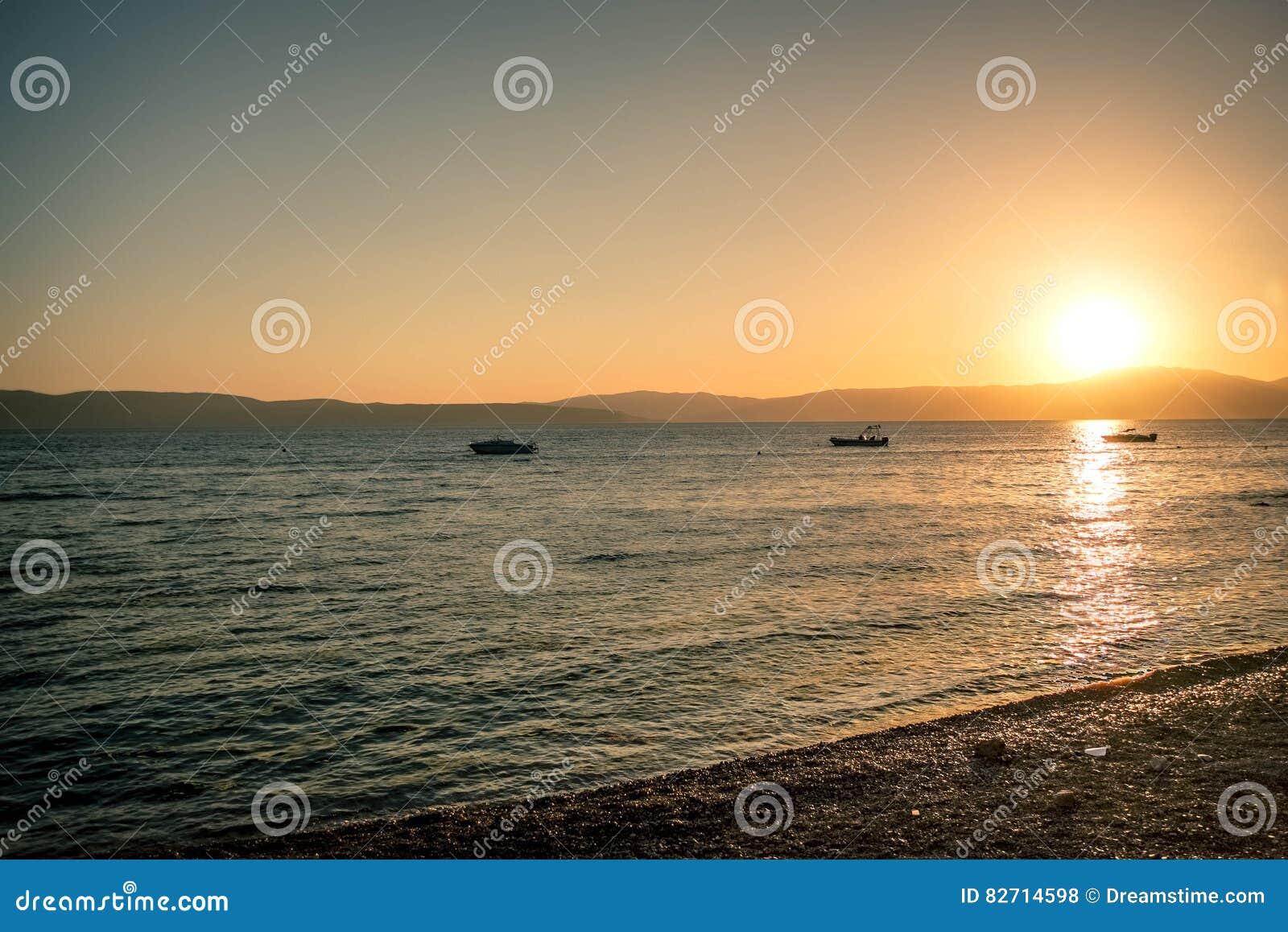 Por do sol em Krk, Croácia