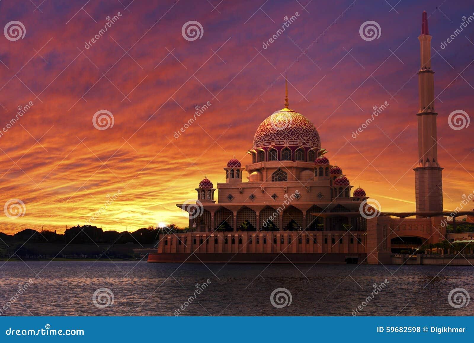 Por do sol na mesquita clássica