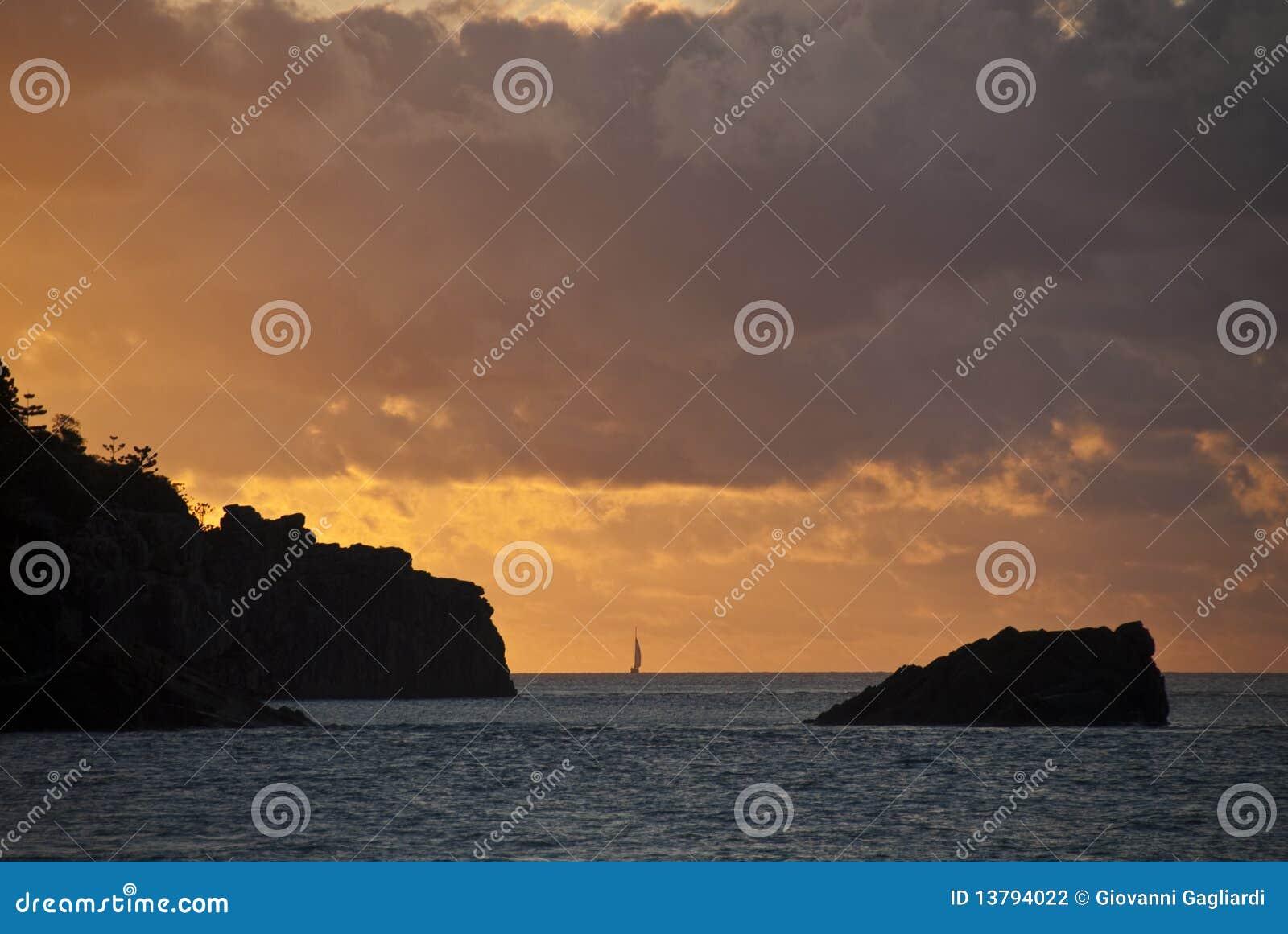 Por do sol nos consoles de Whitsunday