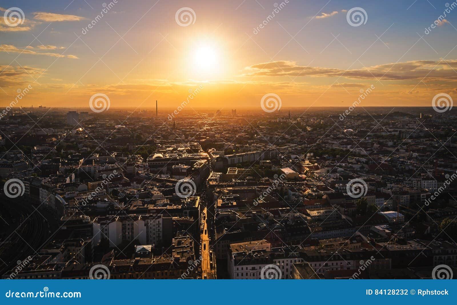 Por do sol sobre Berlim
