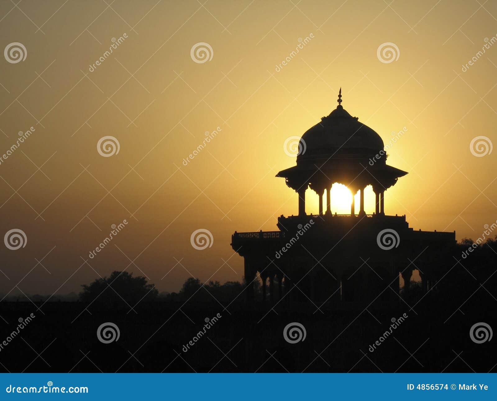 Por do sol sobre Taj Mahal