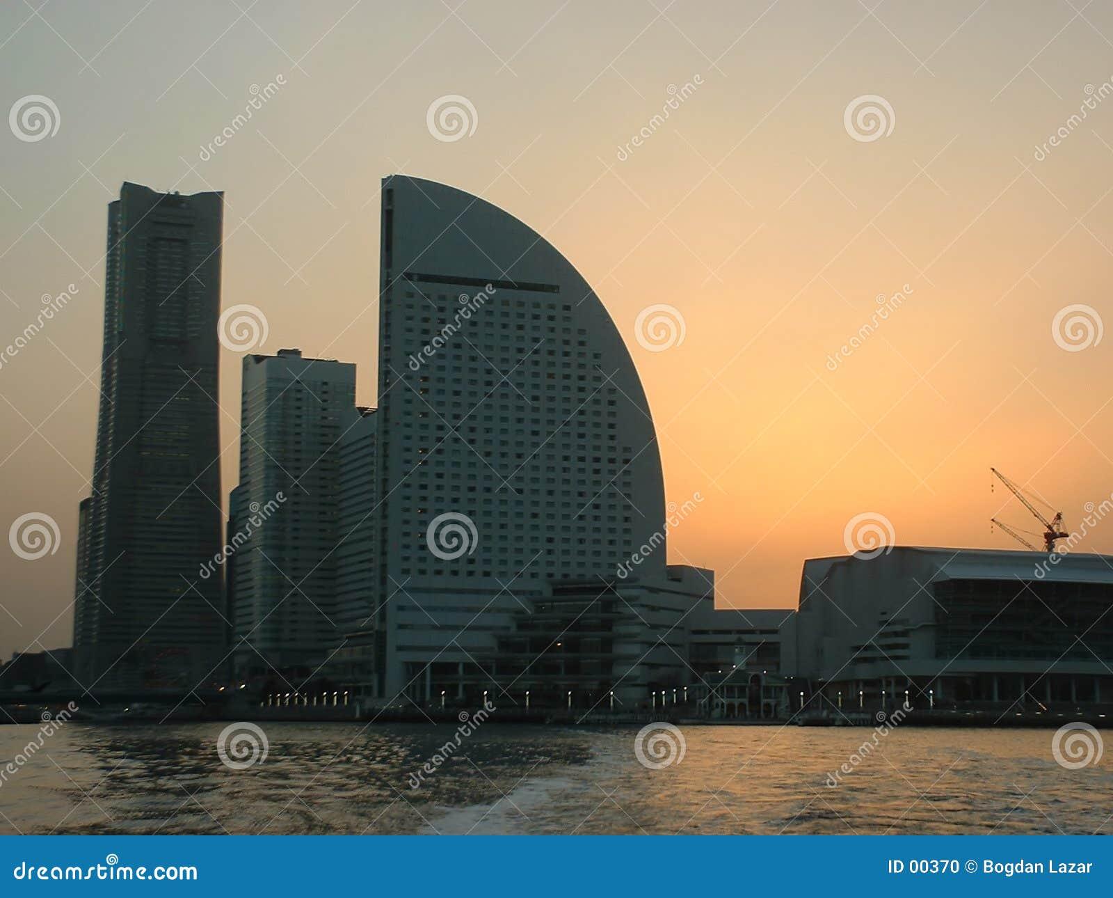 Por do sol sobre Yokohama