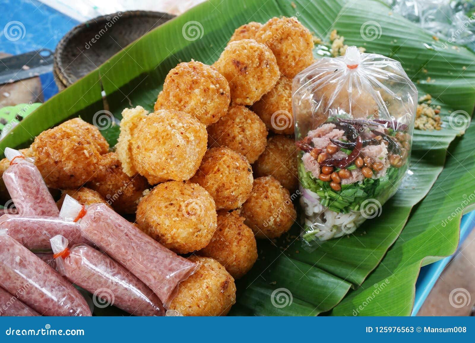Porc aigre et riz croustillant