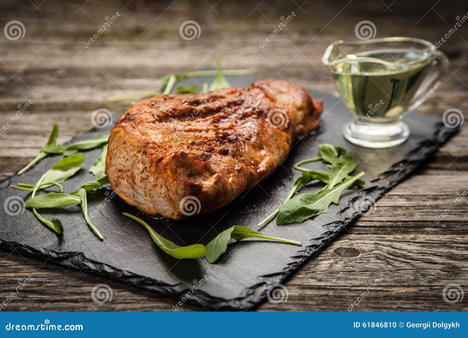 Porc cuit au four délicieux