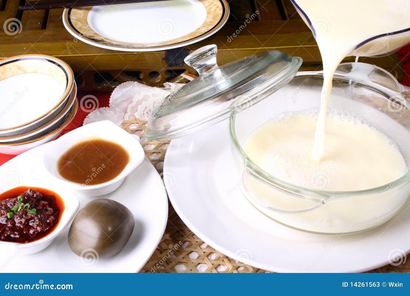 Porcelanowe wyśmienicie jedzenia mleka soje