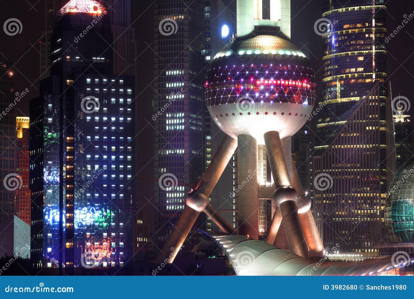 Porcelanowy pearl Shanghai tower