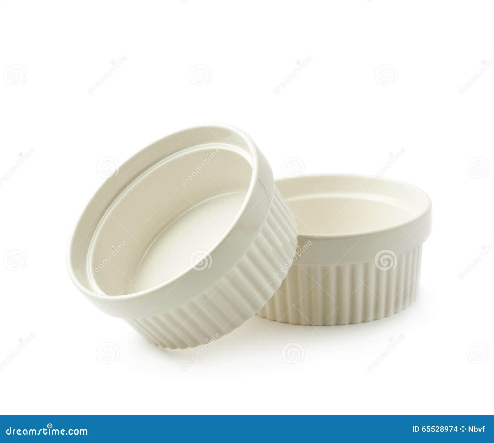 Porcelany souffle ramekin naczynia odizolowywający