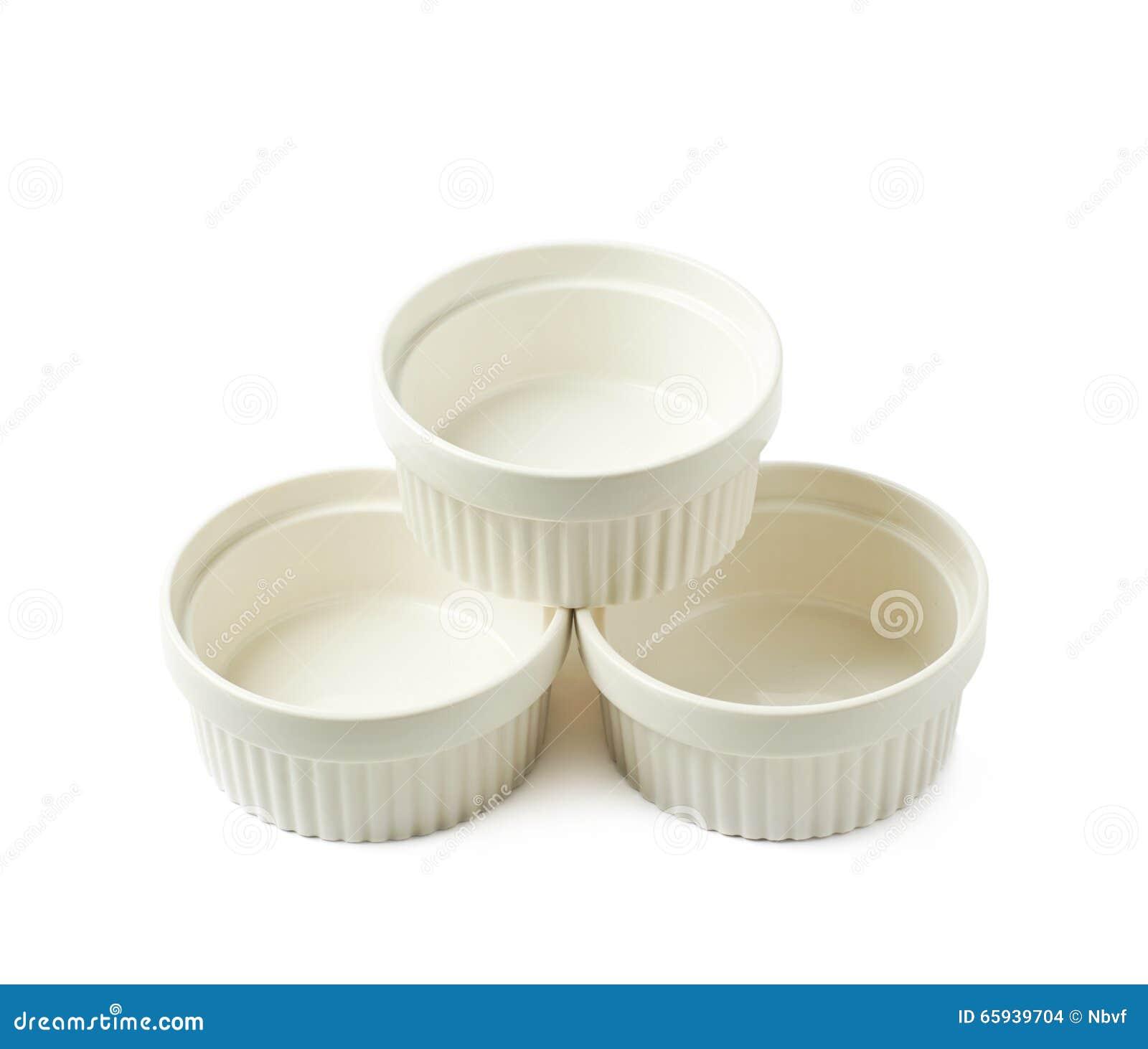 Porcelany souffle ramekin naczynie odizolowywający