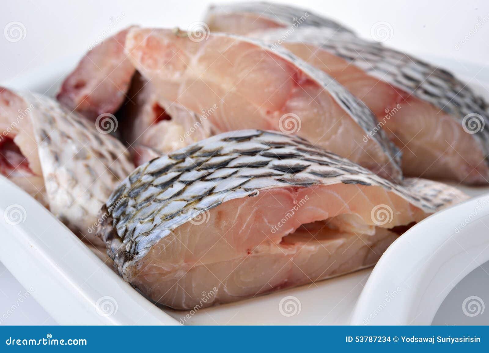 Porci cięcie świeża Tilapia ryba