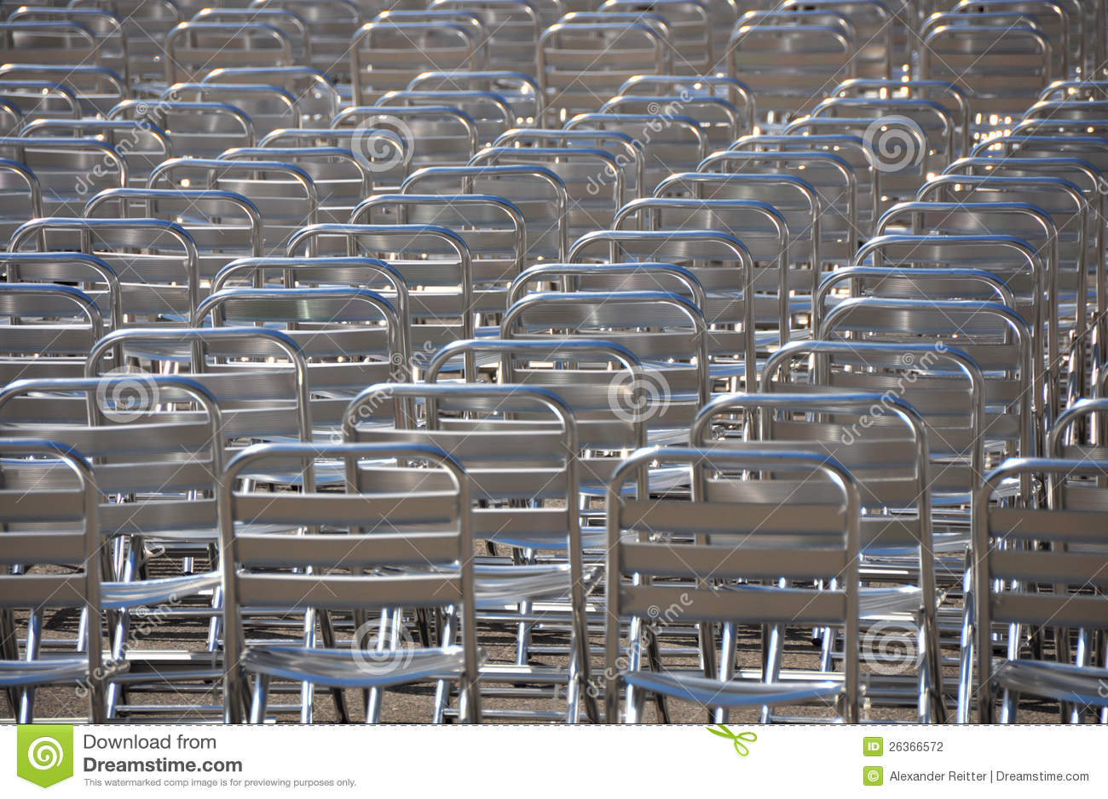 Porciones de sillas vacías - ninguna audiencia