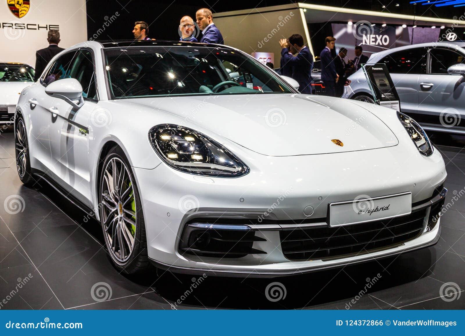 2018 Porsche Panamera Turbo S E Hybrid Sports Car Editorial