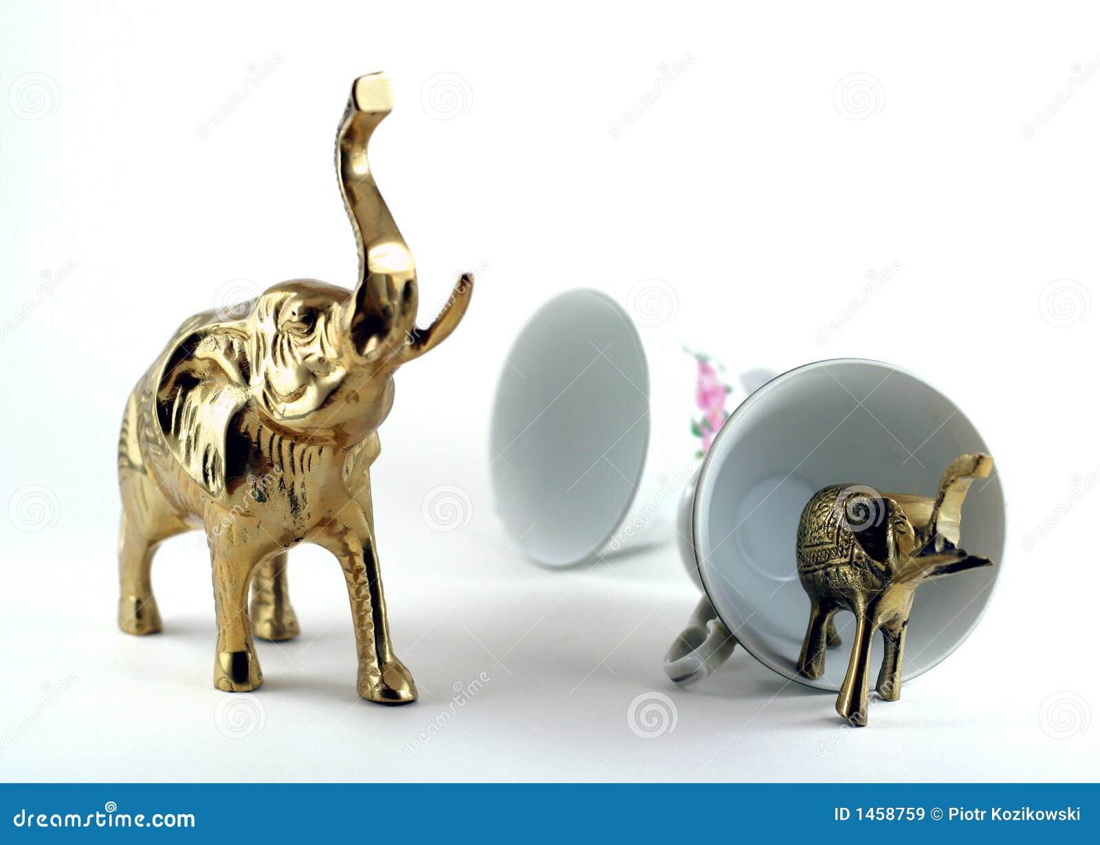 Porslinelefantlager