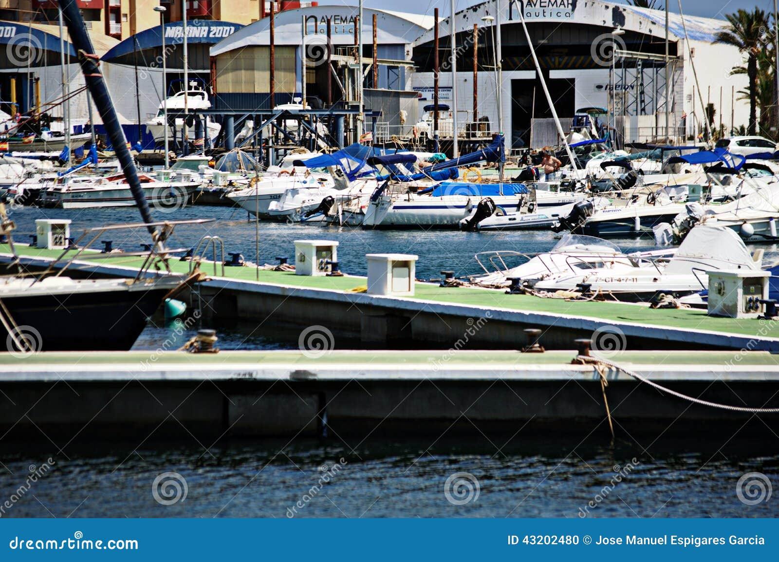 Download Port Av La Manga (Murcia) 204 Redaktionell Foto - Bild av spain, lifebelt: 43202480