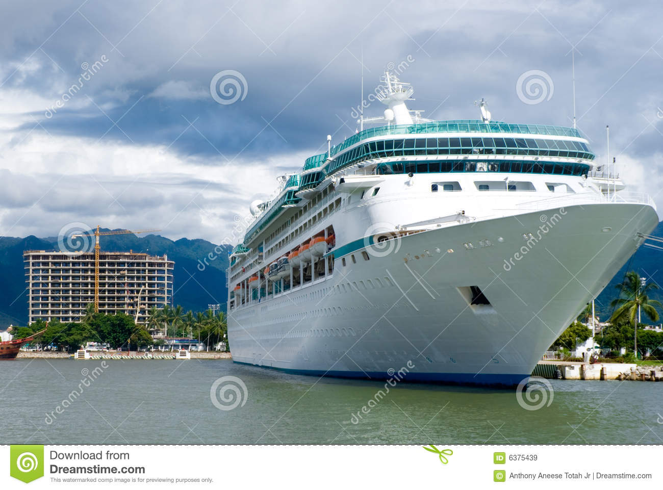 how to call a cruise ship for free
