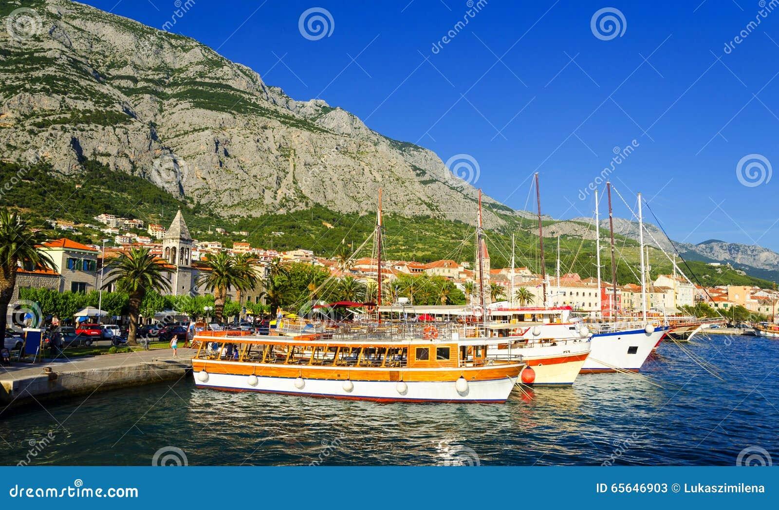 Port dans Makarska en Dalmatie, Croatie