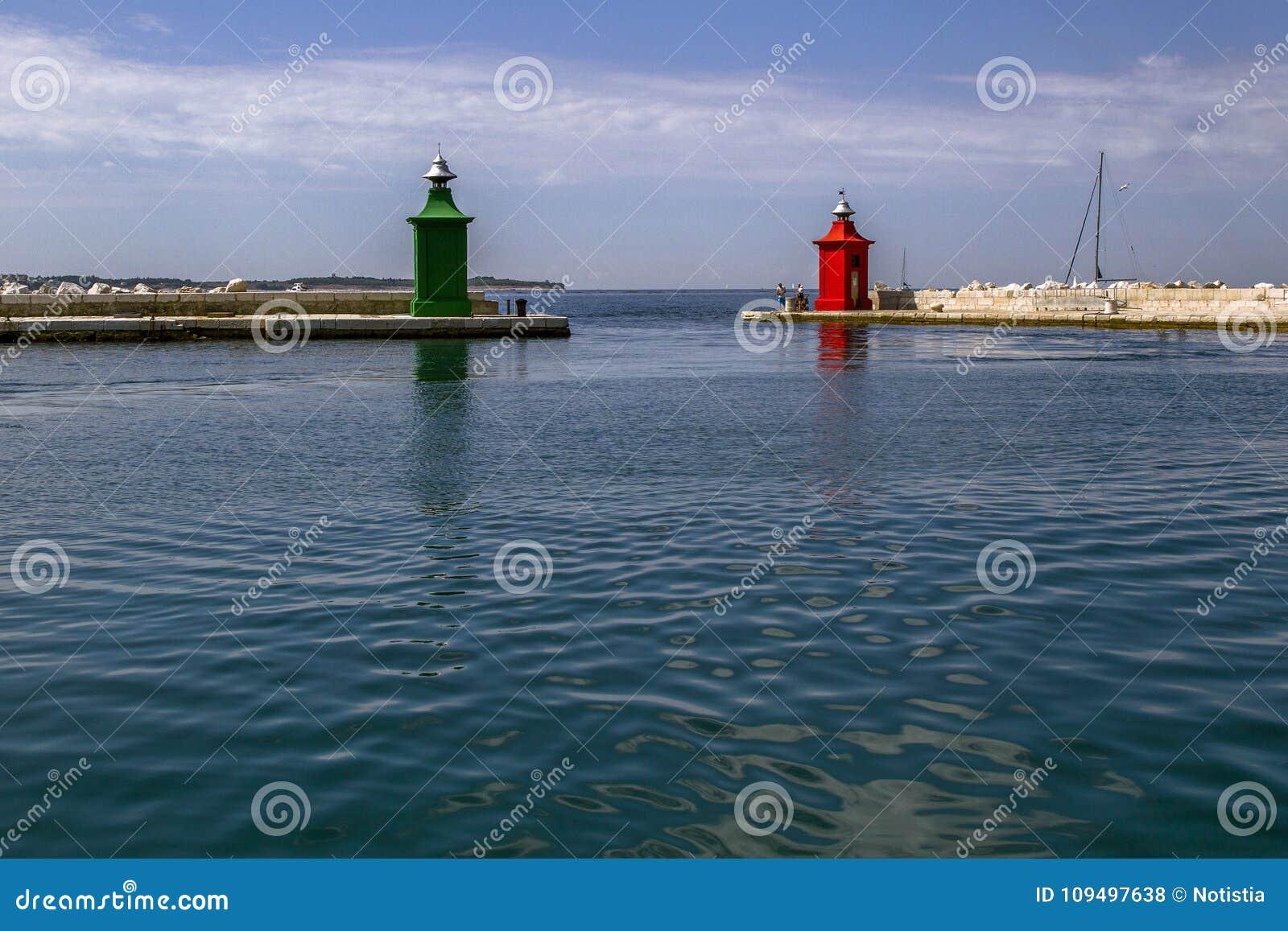 Port dans Piran Il est l une des attractions touristiques principales de la Slovénie un jour ensoleillé La Slovénie,