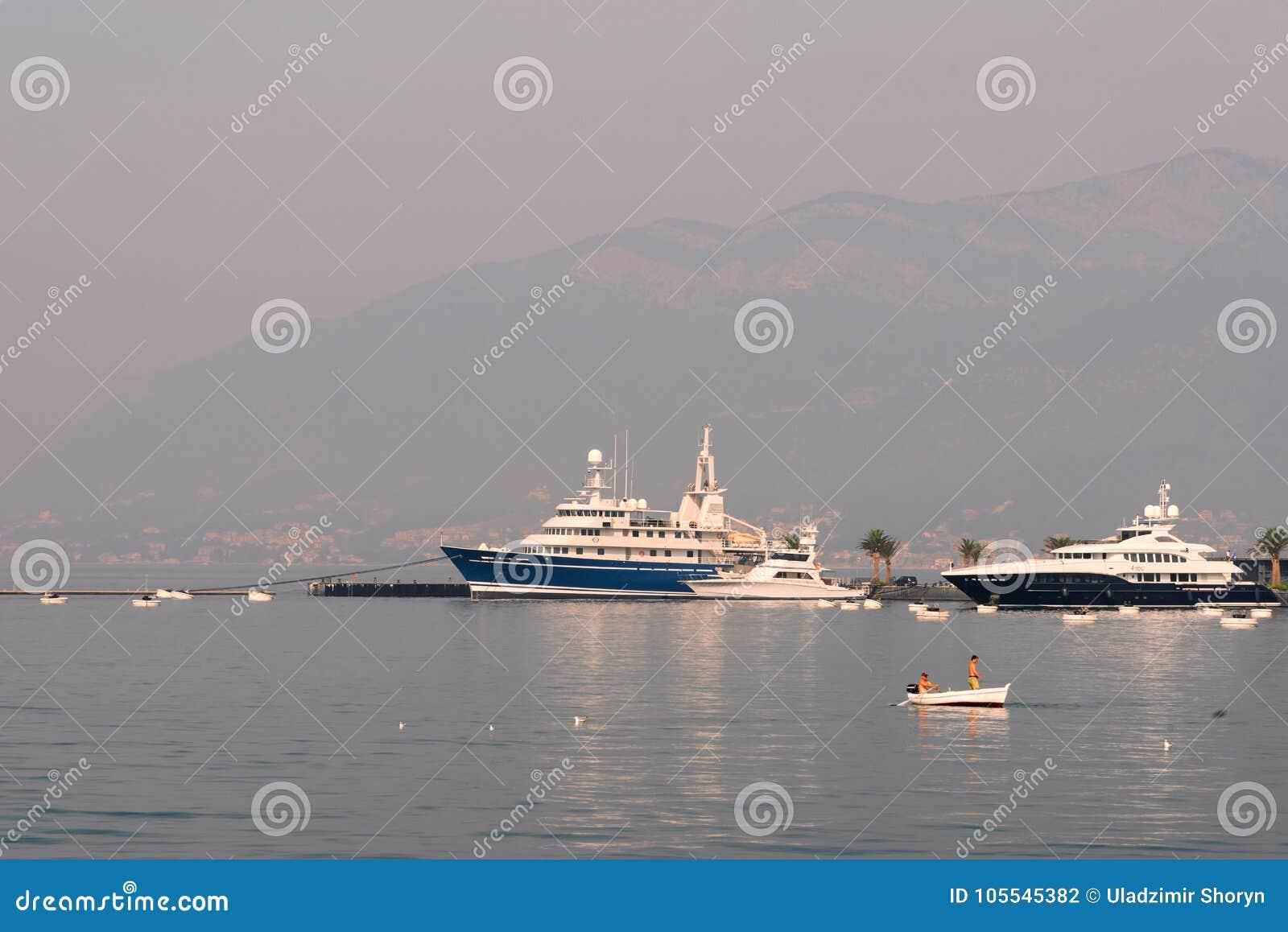 Port de mer dans Monténégro