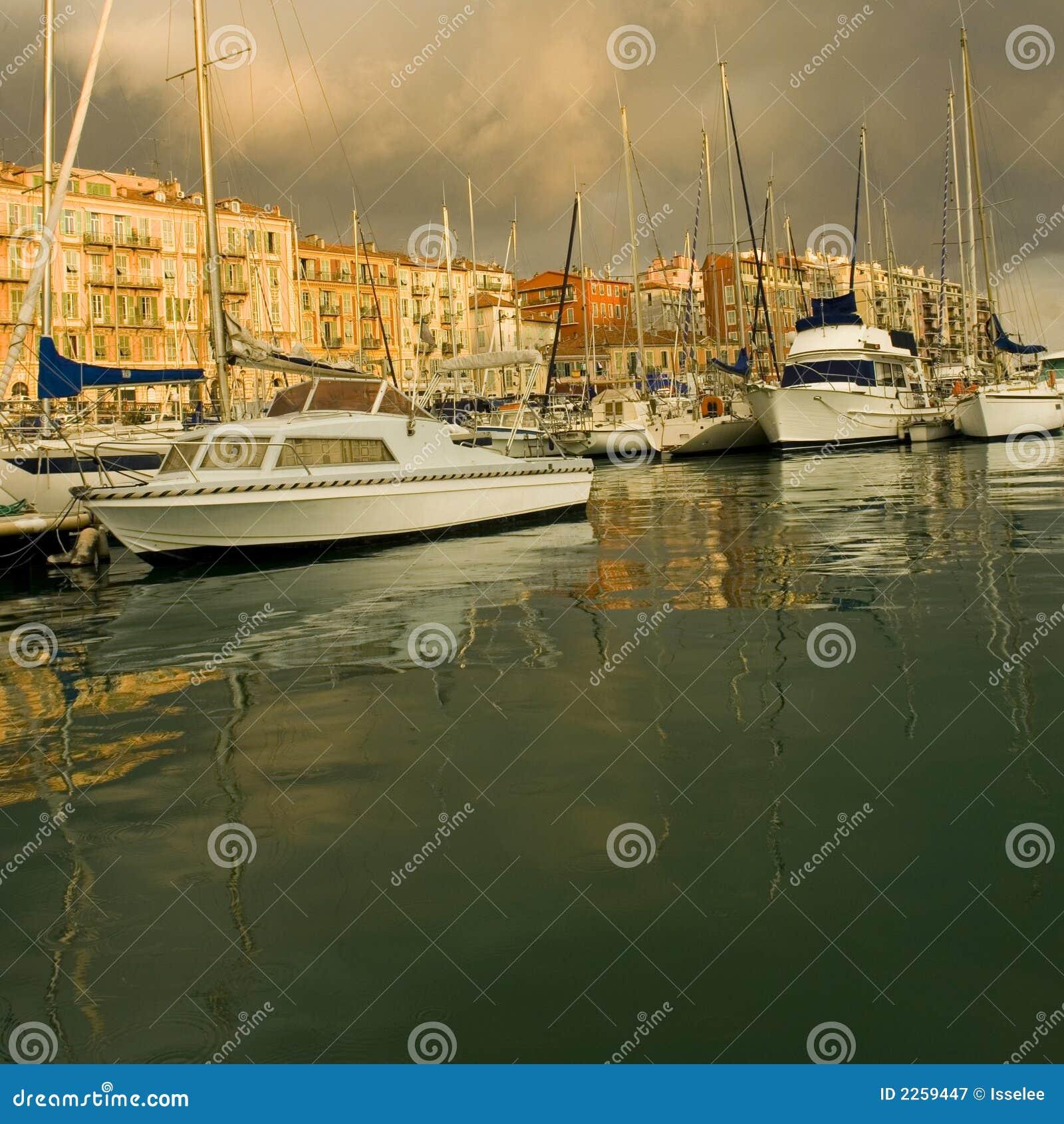Port de Nice après la tempête