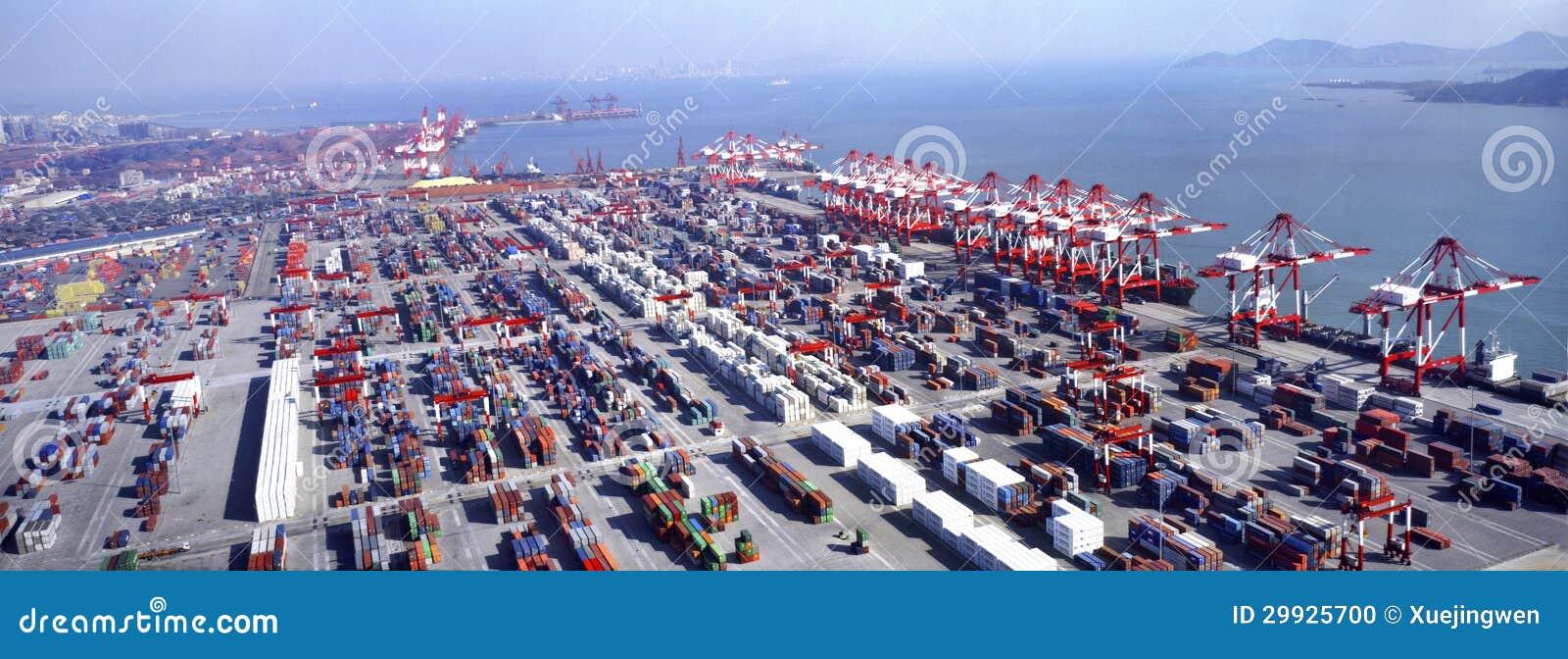 Terminal de r cipient image ditorial image du cargaison 29925700 - Le plus grand port en afrique ...
