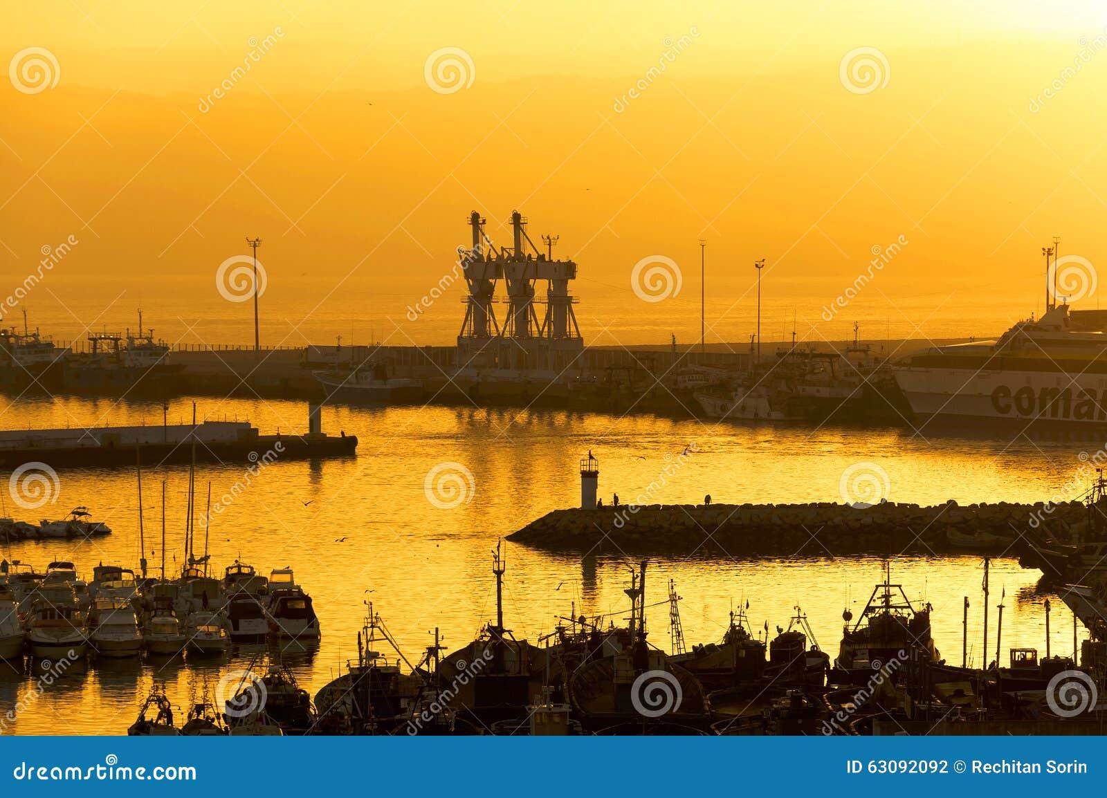 Download Port de Tanger photo stock. Image du musée, bateau, intérieur - 63092092