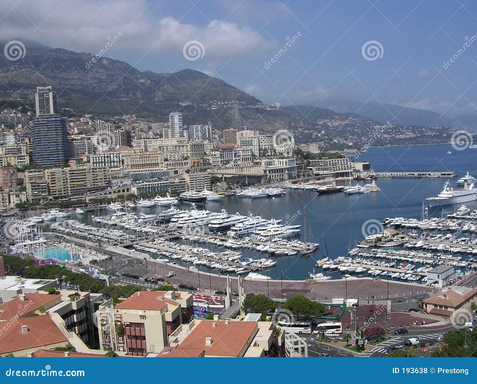 Port du Monaco.