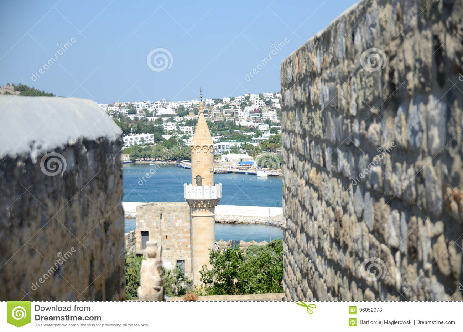 Port et mosquée dans Bodrum, Turquie