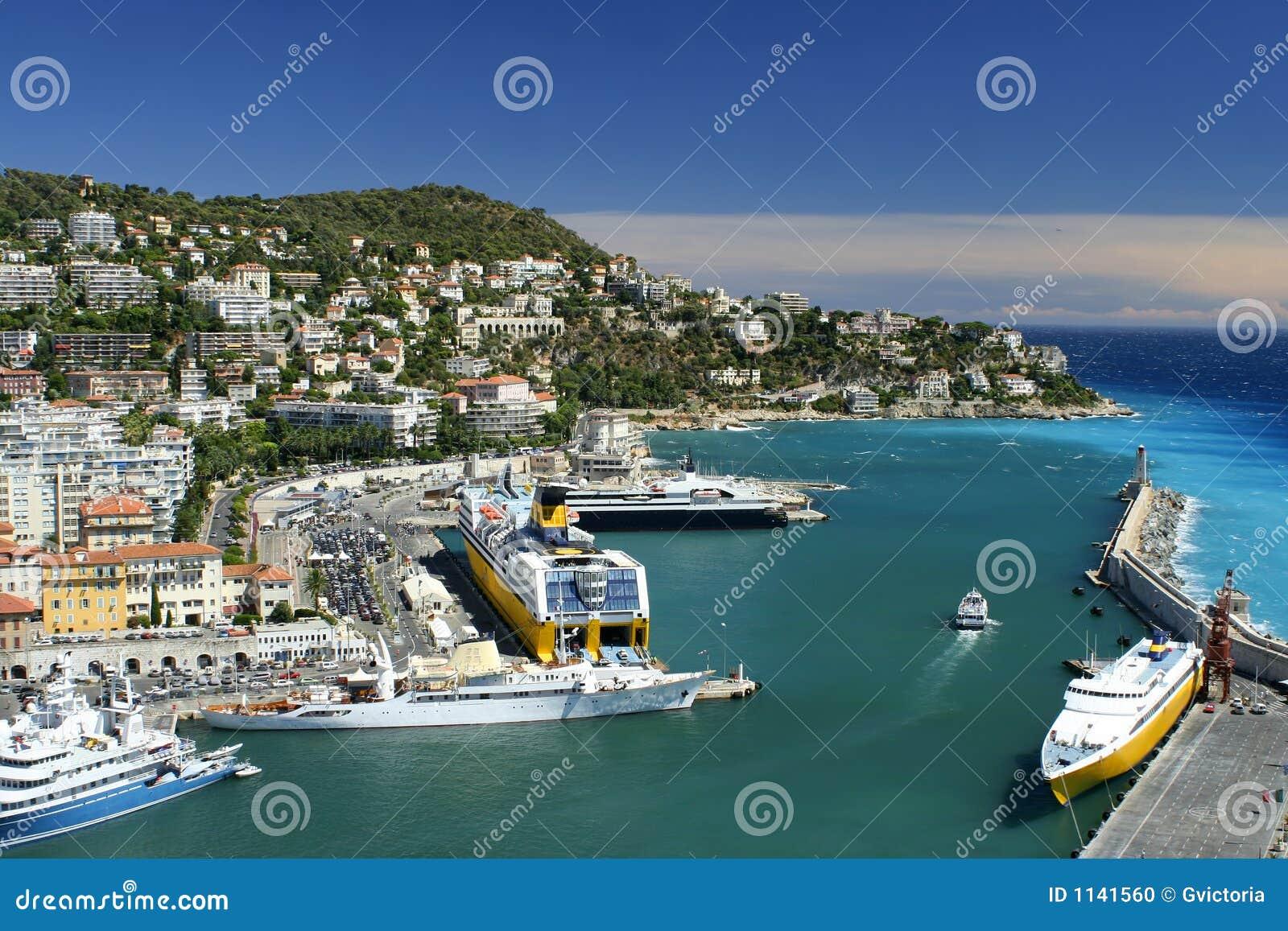Port gentil photo stock image du phare bassins croiseurs 1141560 - Consulat de france port gentil ...