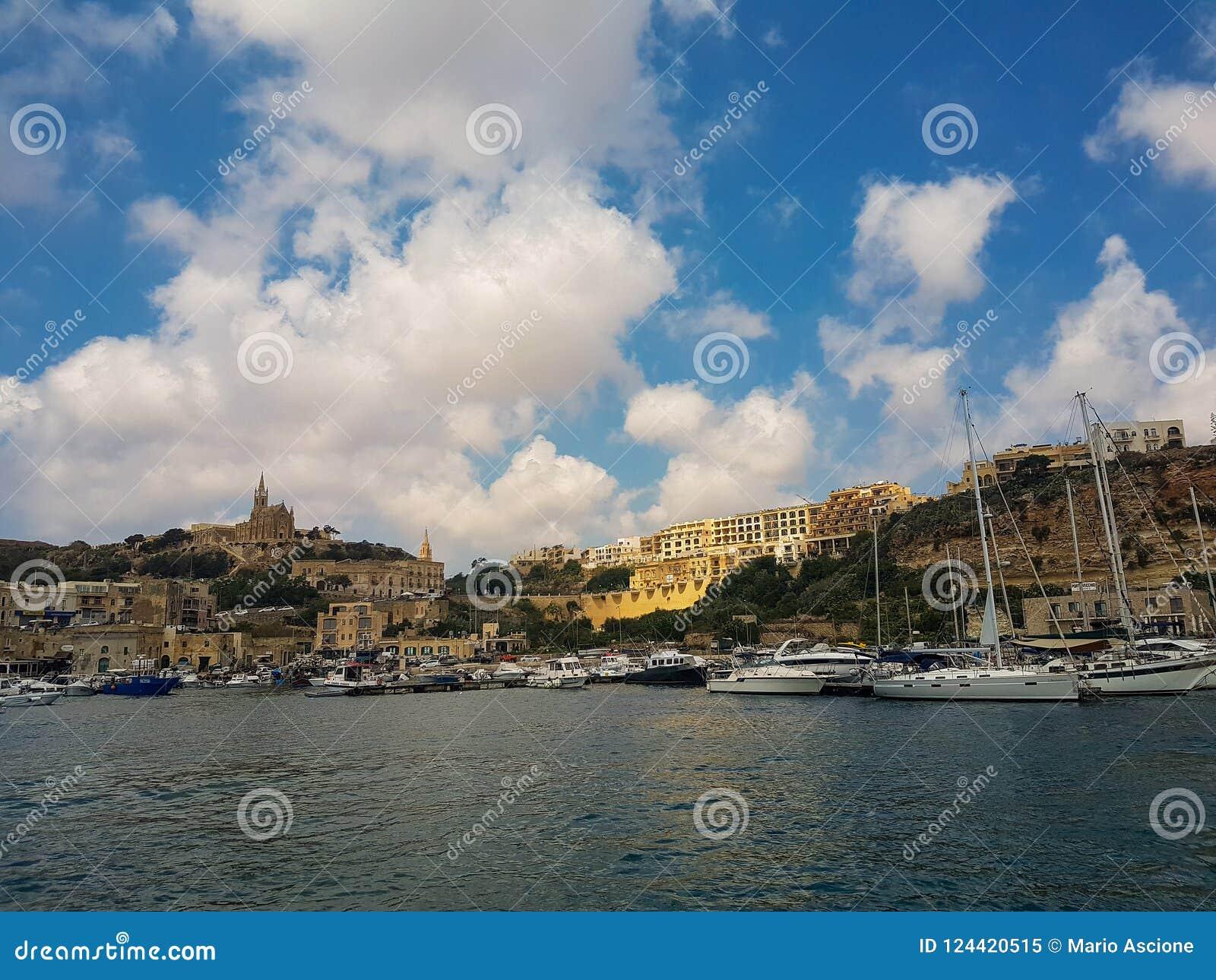 Port morski w Gozo