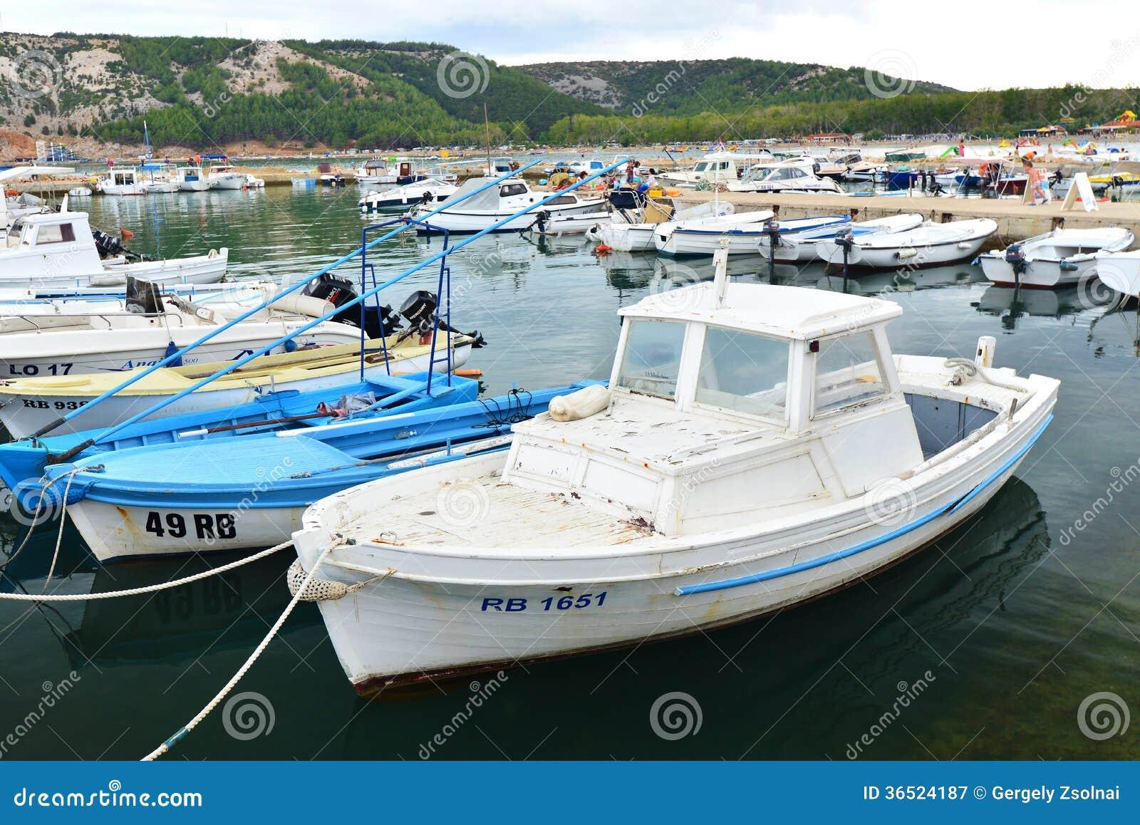 Port sur la côte croate