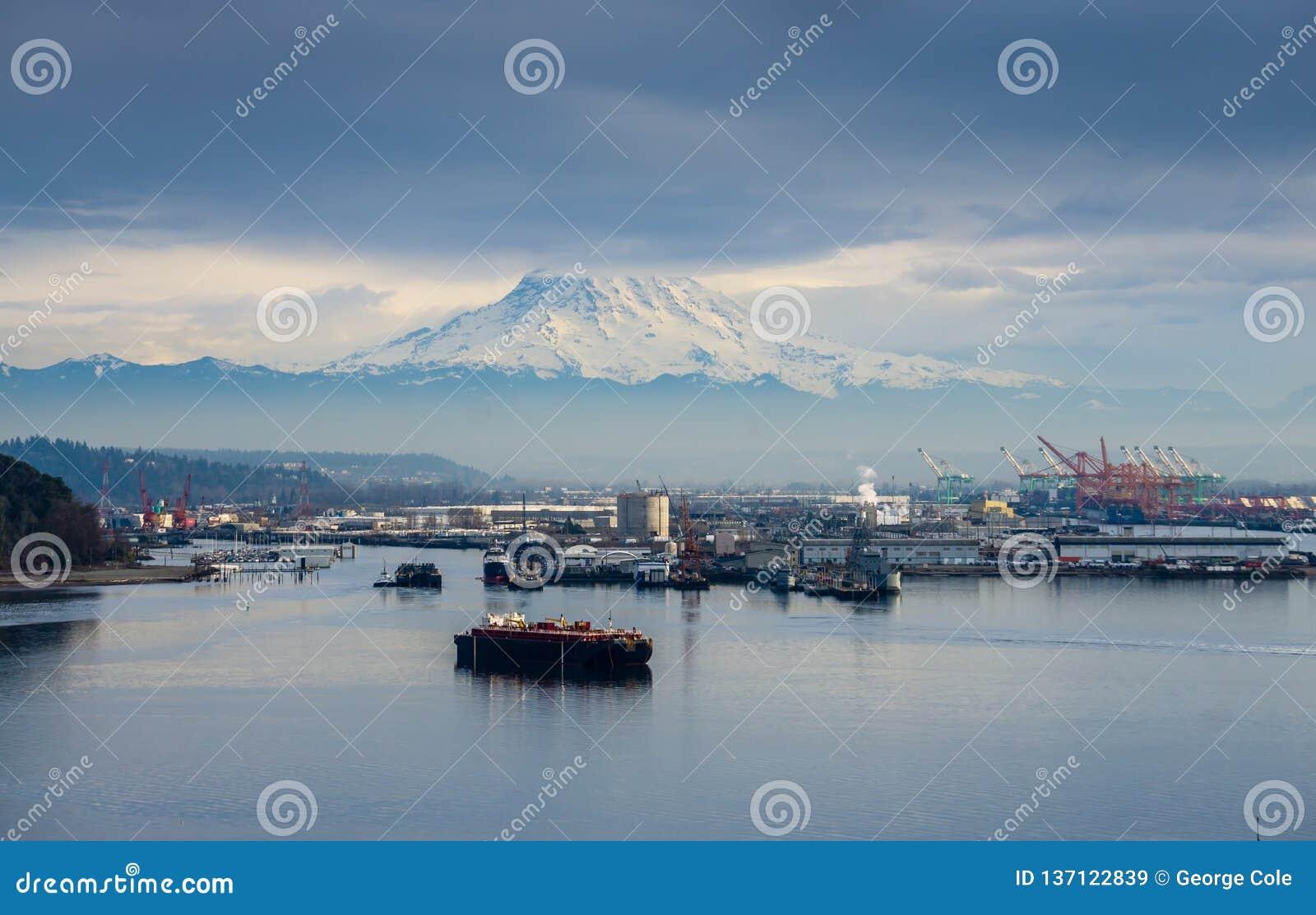 Port Under Mount Rainier royalty free stock images