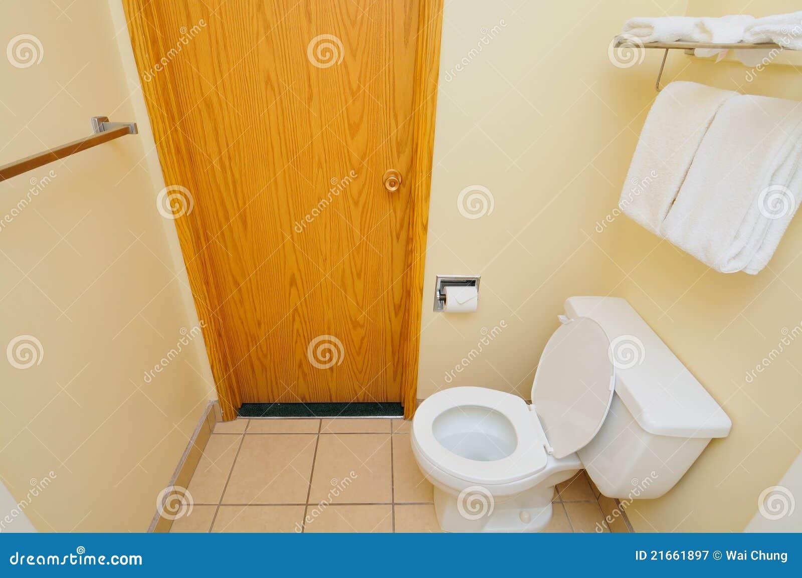 Porta ao toalete