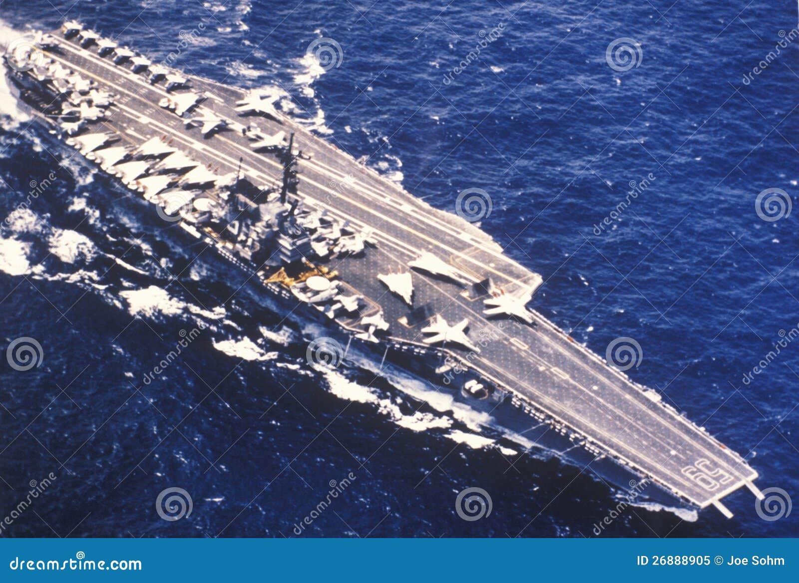 Porta aviões De USS Forrestal Imagem Editorial Imagem: 26888905 #81A229 1300 966