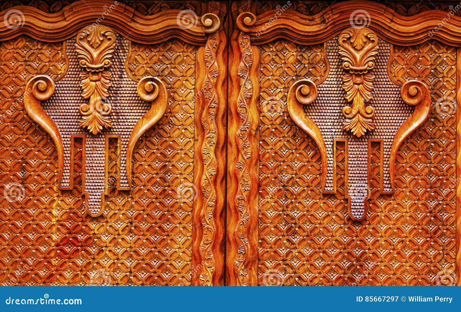 Porta de madeira dourada San Miguel de Allende Mexico de Brown