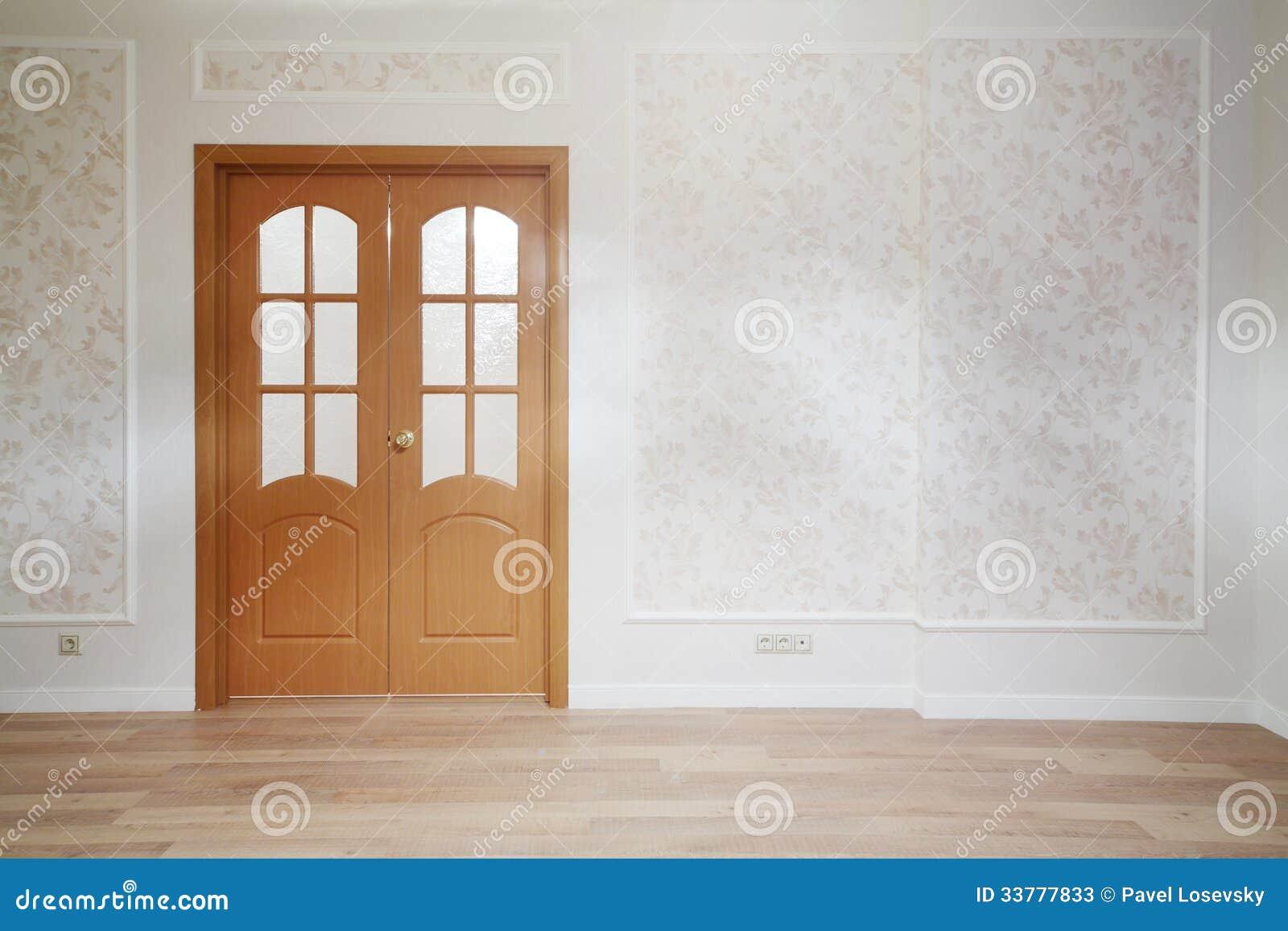porta de madeira na sala simples com assoalho de madeira fotos de stock imagem 33777833. Black Bedroom Furniture Sets. Home Design Ideas