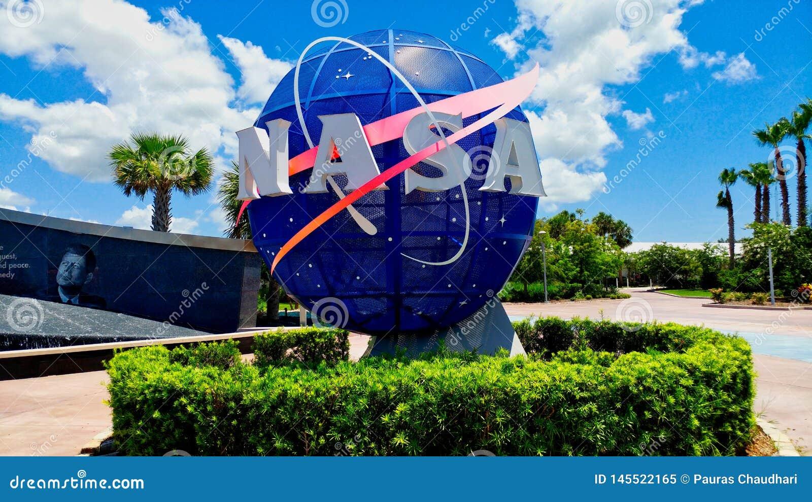 Porta dianteira do logotipo da terra da NASA florida