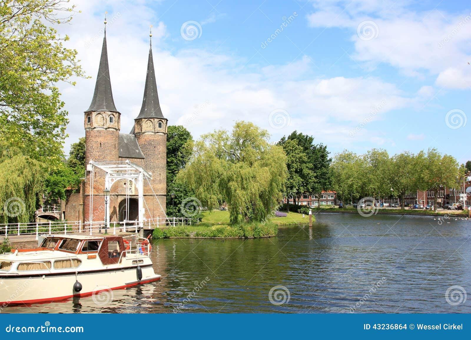 Porta e canal orientais de Reno-Scheldt, louça de Delft