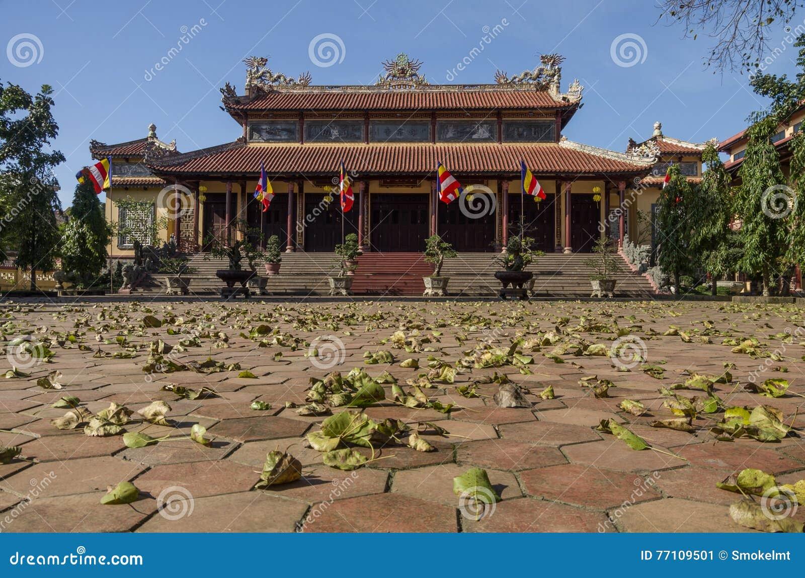 Portar av Tu-fördämningpagoden i tonstaden, Vietnam