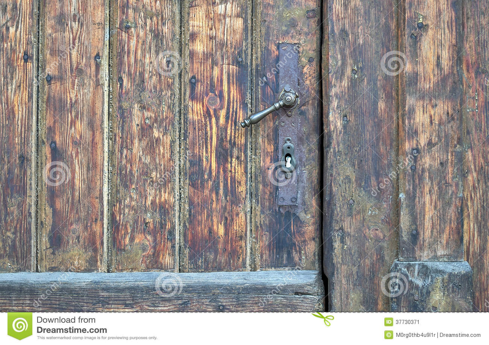 Porte D Entrée En Bois Portée Ancienne Avec La Grande Poignée