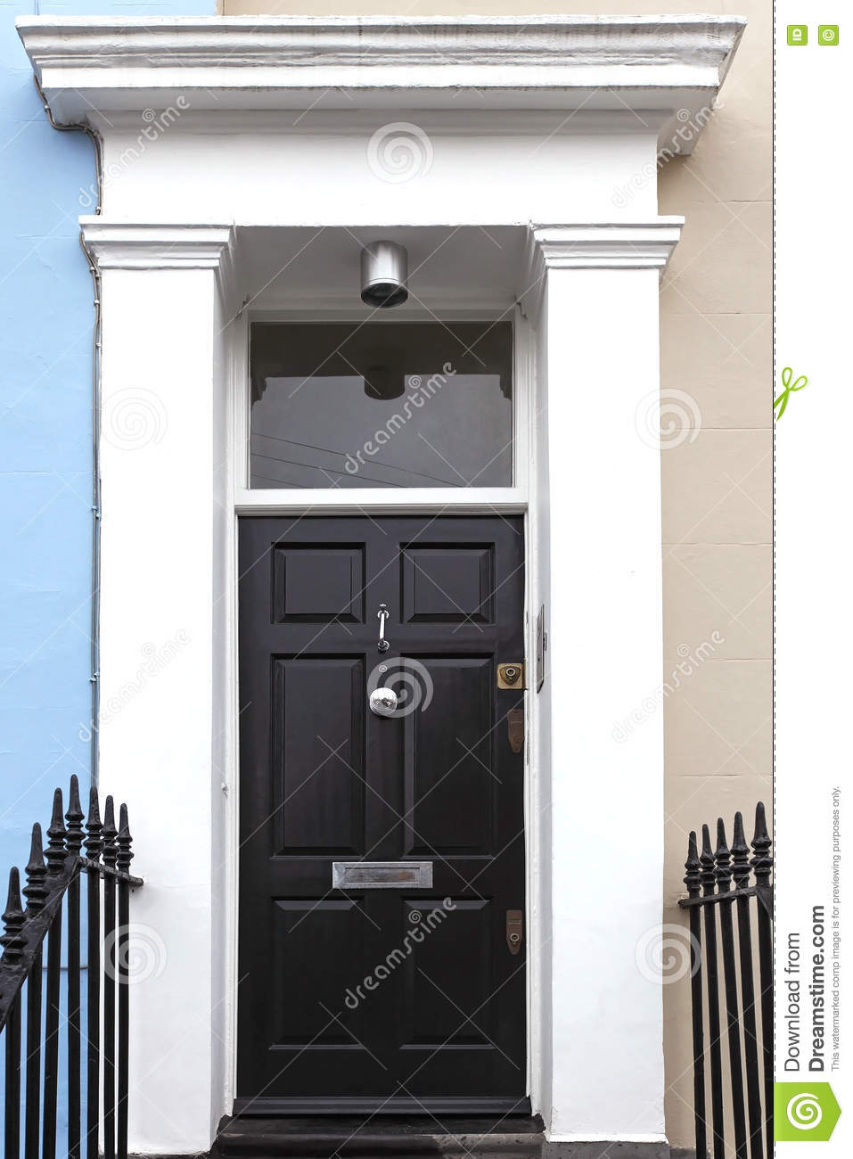 porte d 39 entr e noire photo stock image 70614196