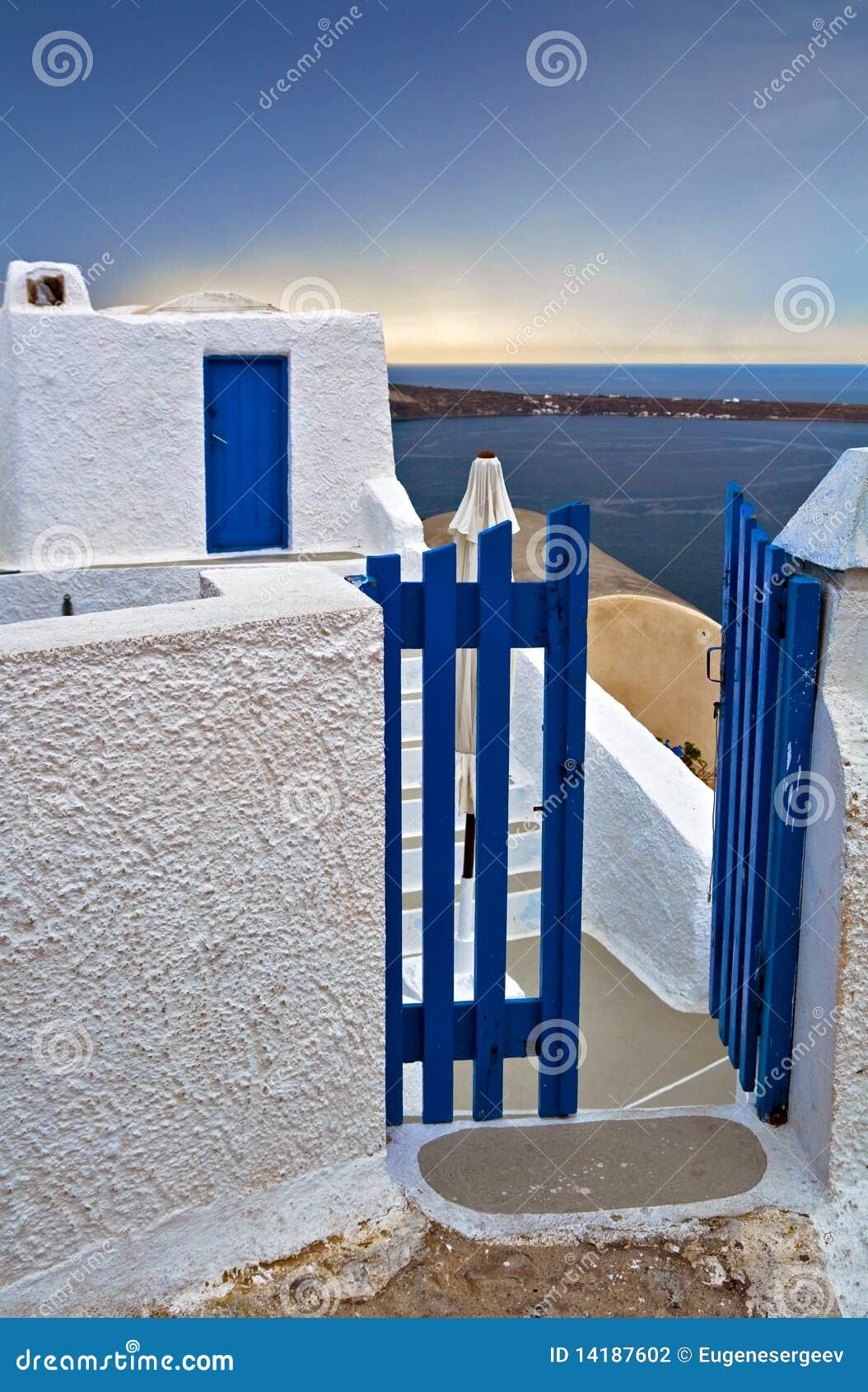 Porte de guichet grecque photographie stock image 14187602 for Porte grecque