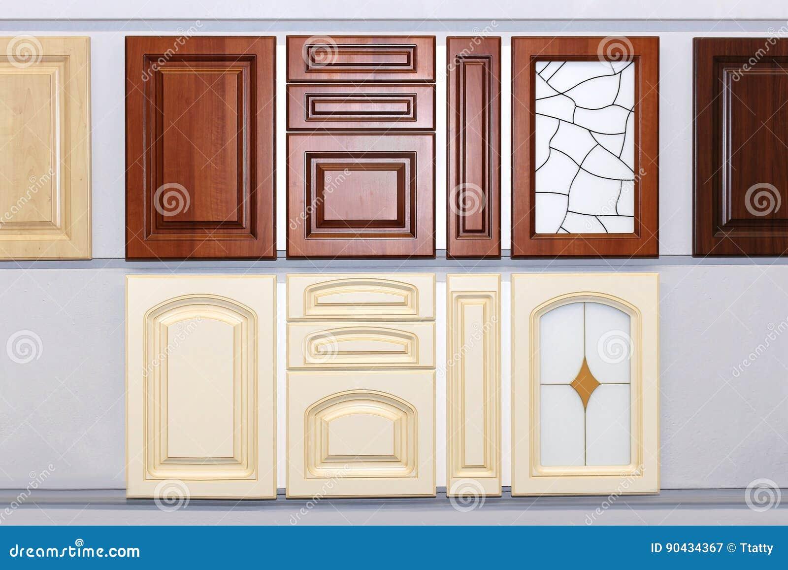 Porte Dell\'armadio Da Cucina Immagine Stock - Immagine di wooden ...