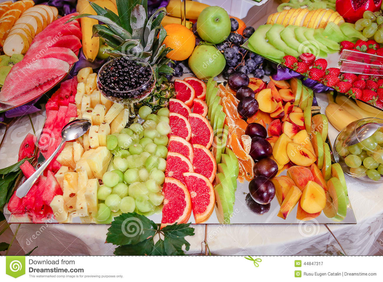 Porte des fruits la d coration photo stock image 44847317 for Decoration salade de fruits